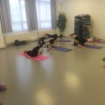 Pilates roll over s kruhem v Centru tance