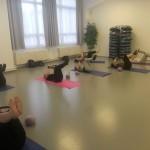 Pilates posilování břišních svalů s kruhem v Centru tance